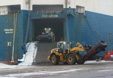 600 cars removed from car carrier