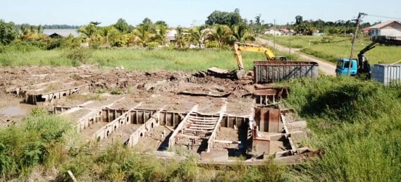 Barge remainders removal, Suriname