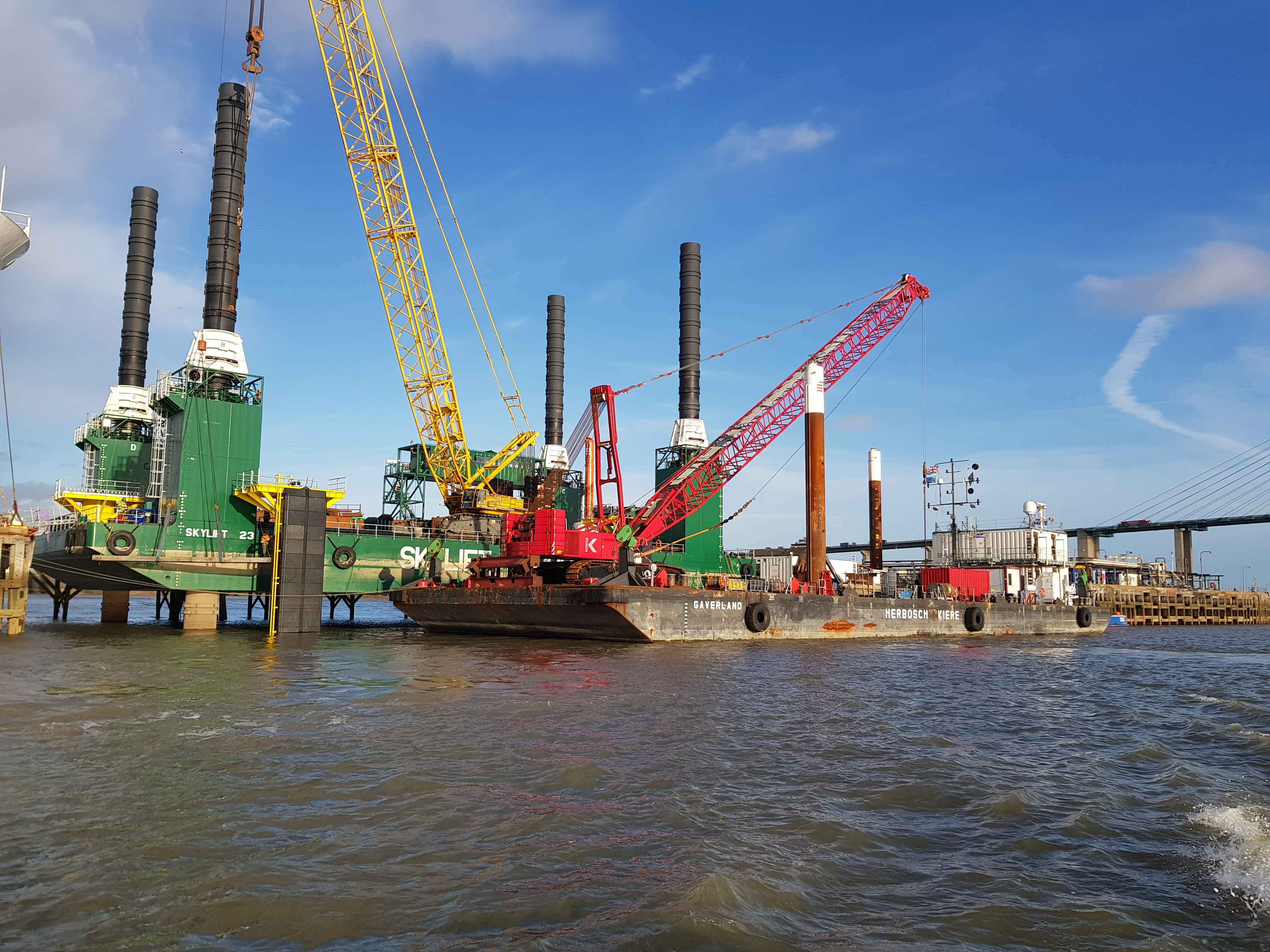 Removal of concrete construction at Purfleet, London